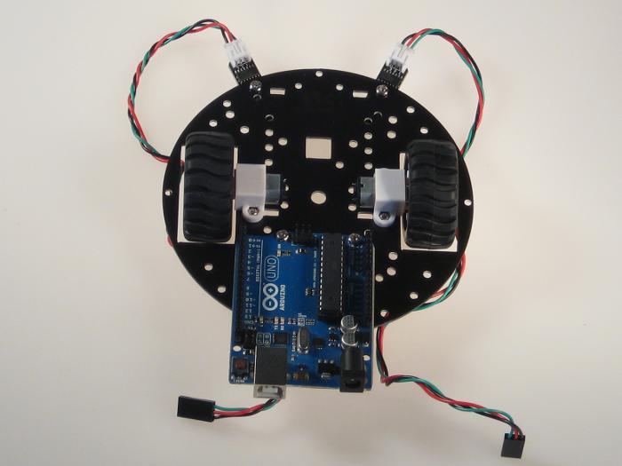 Робот ездящий по линии под управлением arduino Амперка